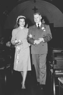 Black and white photograph of Carol and Cotton Thompson on their wedding day, March 27, 1948.