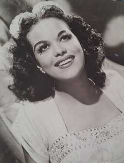 Black and white photograph of Hilda Simms, c.1940.