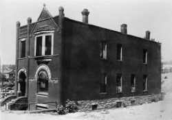 Nina Clifford's brothel at 147 South Washington Avenue in St. Paul, down the street from Ida Dorsey's brothel at 151 South Washington Avenue. Photograph by A. F. Raymond, 1937.