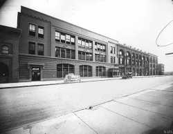 Black and white photograph of West Publishing Company headquarters on West Third Street (later Kellogg Boulevard) in St. Paul, 1915.