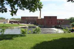 Color image of the north façade of the Faribault Woolen Mill Company, 2011.