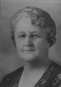 Black and white photograph of Florence Rood, c.1920s.