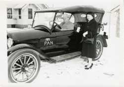 Samuel C. and Annie Pandolfo, in Pan Car, visiting St. Cloud, March 1956