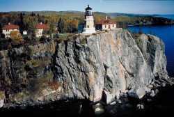 Color photograph of Split Rock Lighthouse, c.2000