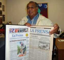 Mario Duarte in the La Prensa office