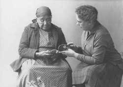 Maka Waŝte' Wiŋ and Frances Densmore