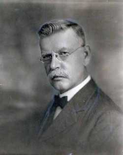 Black and white photograph of Dr. Louis A. Fritsche, c.1920.