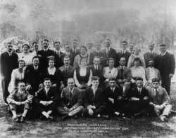 Black and white photograph of attendees of the Semi-Annual Conference of the Northwestern District Organization Committee of the Workmen's Circle, held in St. Paul on September 1, 1918.