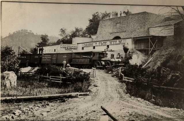 Photograph of Carlson's limestone kiln