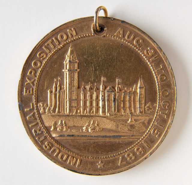 Minneapolis Industrial Exposition medal (front)