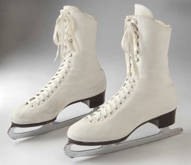 Strauss figure skates