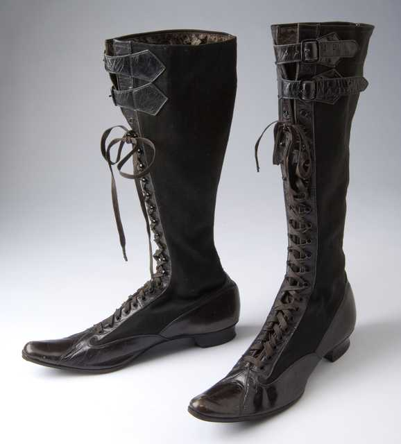 Woman's bicycle boots