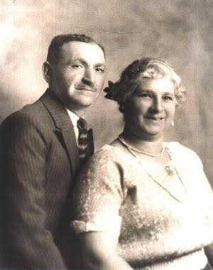 Black and white photograph of Ben and Sophie Finer, mid-to-late 1920s. From the collection of Brad Feinner.