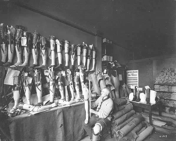 Black and white photograph of the interior of the Artificial Limb Company, Minneapolis, 1918.