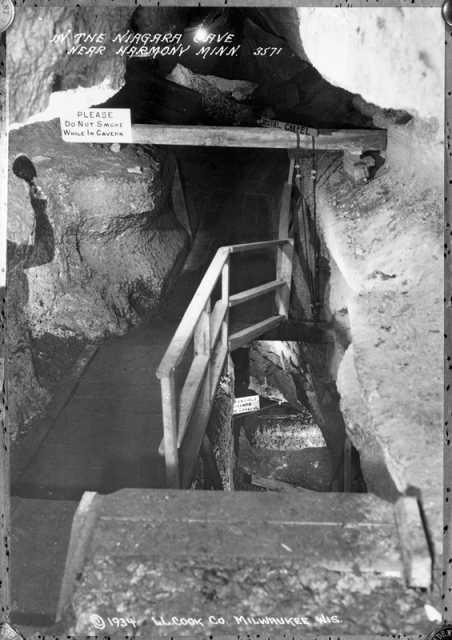 Niagara Cave Stairway
