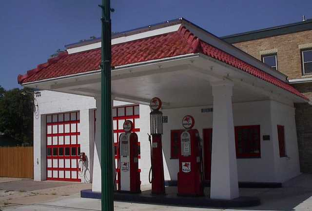 Photograph of a 1925 Mobile gas station in Carver Minnesota