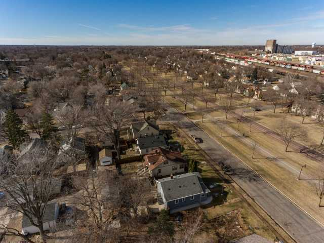 Overhead view of Victory Memorial Drive
