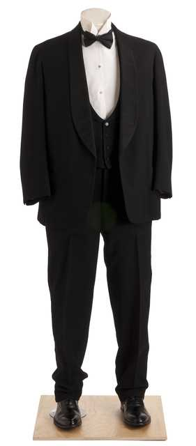 Color image of a suit worn by James J. Hill. Suit made by Schaub Brothers, Inc.