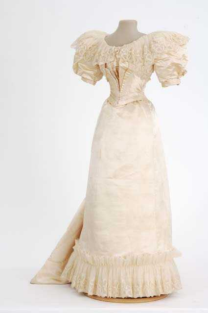 Wedding gown