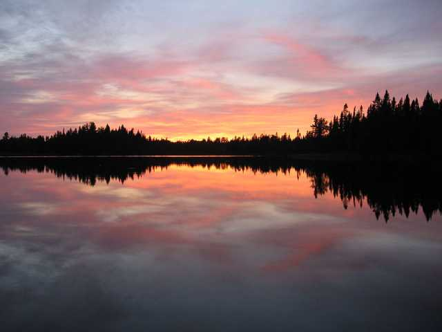 Color image of Pose Lake in the Boundary Waters Canoe Area Wilderness, 2006.