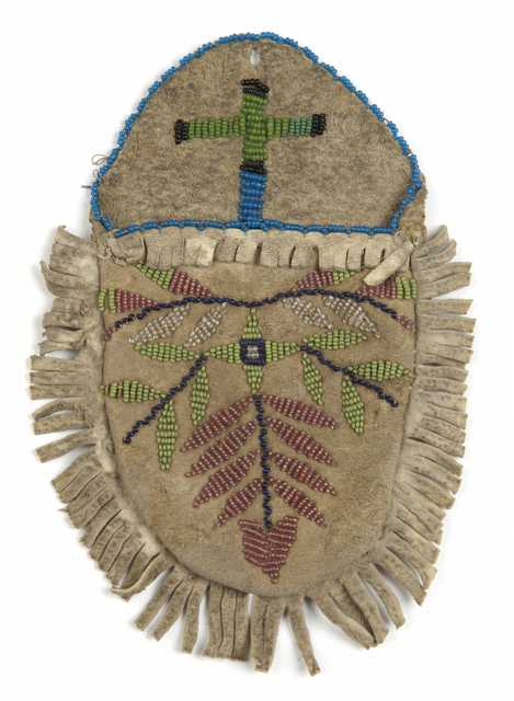 Color image of a Dakota beaded wall pocket made c.1900.