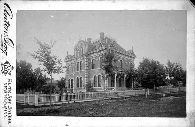 Photograph of the Gág family home at 200 South German Street in New Ulm. Taken by Anton Gág c.1890.