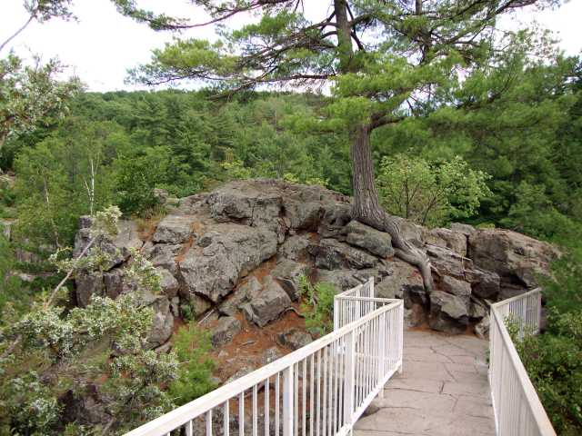 Color image of Angle Rock at Interstate State Park, 2015. Photograph by Minnesota Department of Natural Resources Staff.