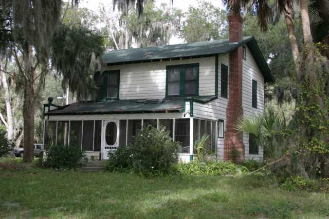 The Barker cottage on Lake Weir