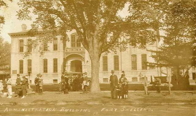 Black and white photograph of the administration building at Fort Snelling, ca. 1917.