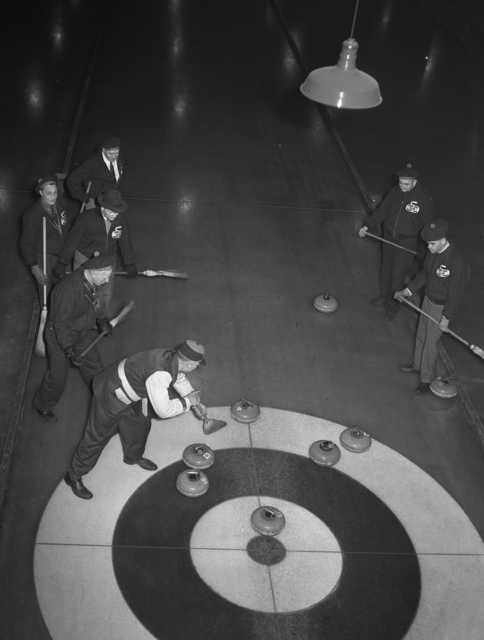 Members of the St. Paul Curling Club during practice.