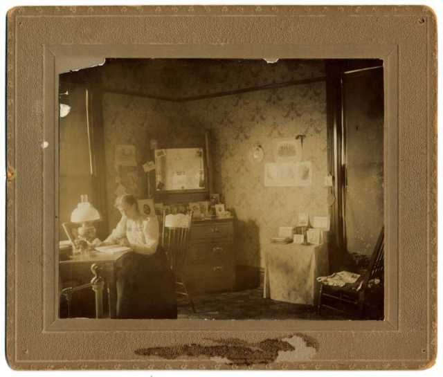 Photograph of Macalester Dorm Room