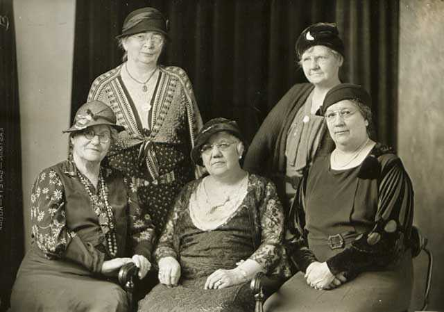 Black and white photograph of a Gold Star Mothers Club, 1935. Photograph by Benjamin C. Golling.