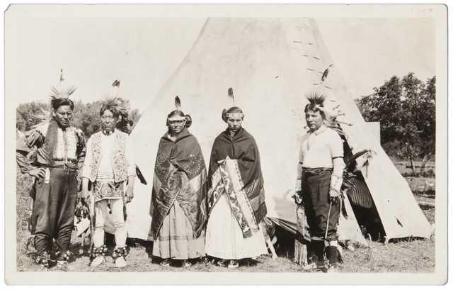 Photograph of a group of Santee Dakota taken at Prairie Island c.1915.