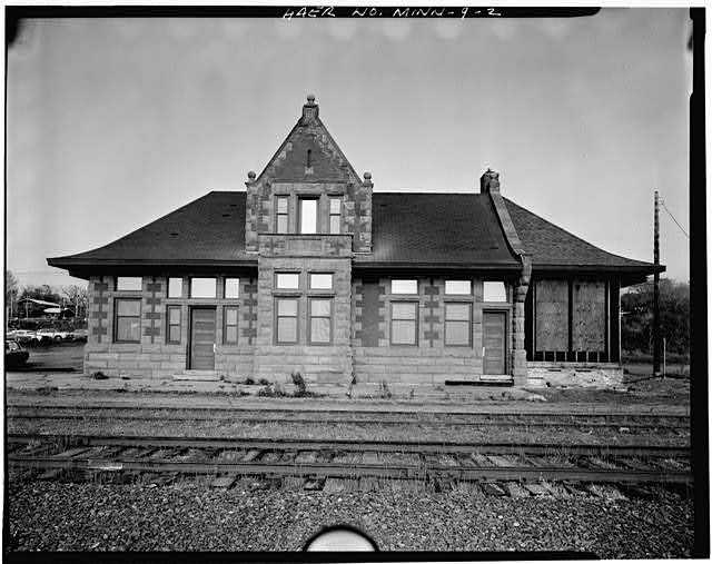 View of east front, looking northwest - Endion Passenger Depot, 1504 South Street, Duluth, St. Louis County, MN