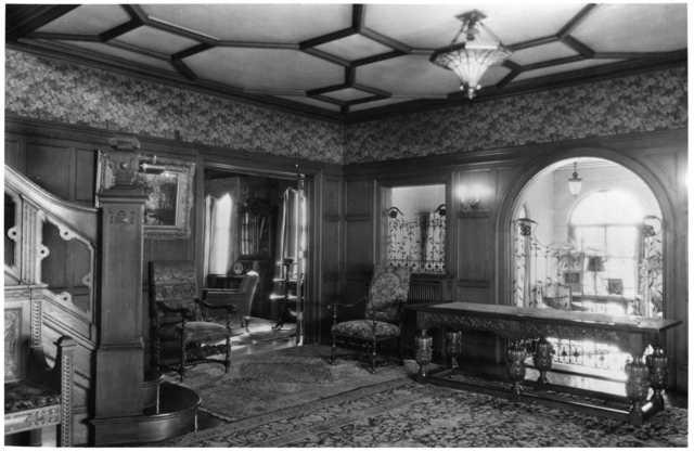 Interior of 1006 Summit Avenue