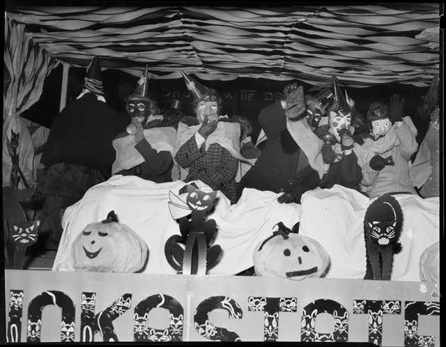 Float in the Anoka Halloween Celebration parade, 1937