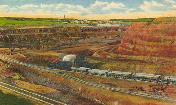 Colorized postcard of the Missabe Mountain open pit mine in Franklin, c.1915.