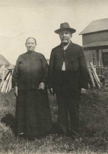 Black and white photograph of Mr. and Mrs. John Kleimola, Mt. Iron, 1930.