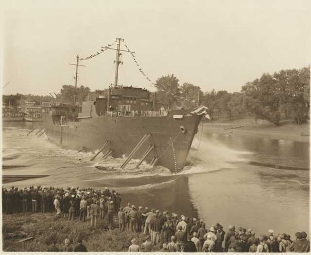 Black and white photograph of the launching of the Genesee at Port Cargill, Savage, September 4, 1943.