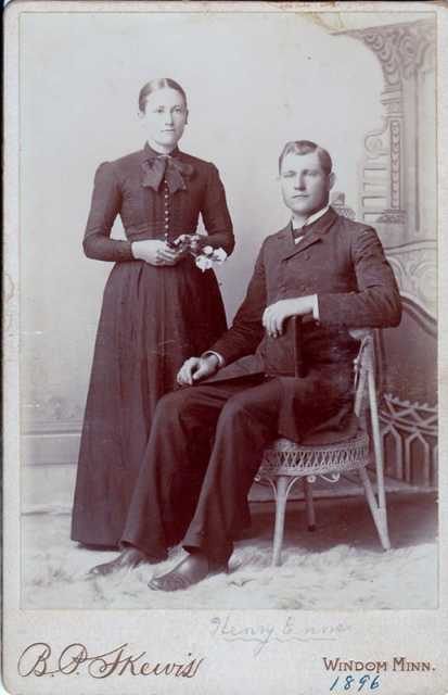 Black and white photograph of Heinrich Enns and Maria Ewert Enns, 1896.