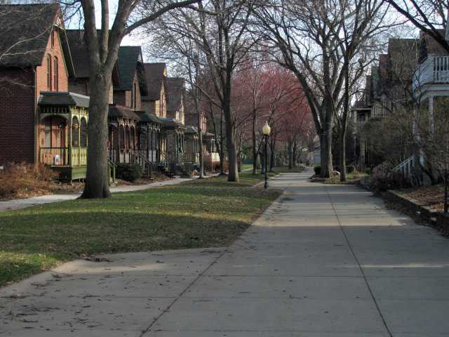 Color image of Milwaukee Avenue, Minneapolis, 2014.