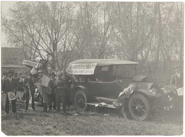 Black and white photograph of League boosters in Clarkfield, 1918.