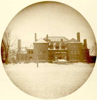 Black and white photograph of James J. Hill Summit Avenue house under construction, 1890.