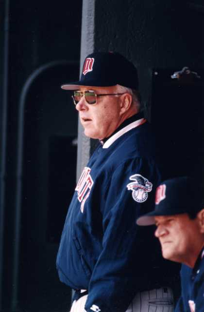 Twins manager Tom Kelly.