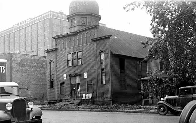 Black and white image of Kenesseth Israel Orthodox Synagogue at 519 Fourth Street North in Minneapolis, 1934.