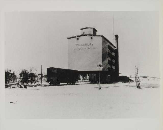 Pillsbury Lincoln Mill, view of the mill, Anoka, Minnesota