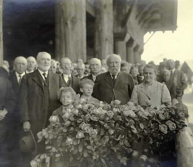 James J. Hill with members of the Great Northern Railway Veterans' Association