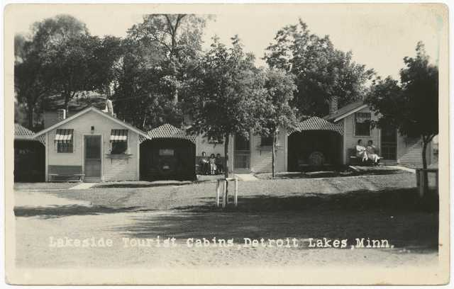 Lakeside tourist cabins, Detroit Lakes