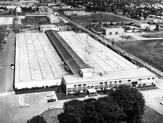 Black and white aerial photograph of the Thermo King Corporation campus in Bloomington as it appeared, c.1960.