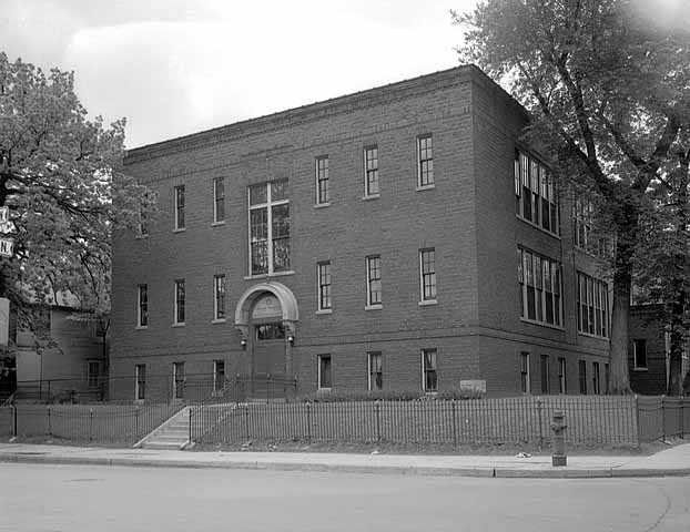 Black and white photograph of Minneapolis Talmud Torah at 725 Fremont Avenue North in Minneapolis, c.1950.